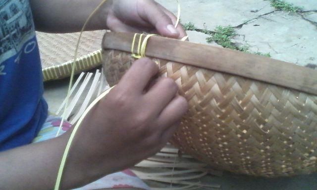 Ketika Perajin Bambu di Desa Salam Kehabisan Anyaman Hidup